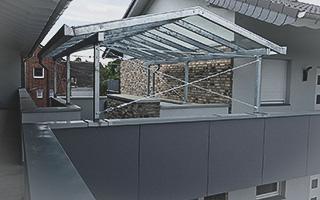Individuelle Belcharbeiten Überdachung Terrasse